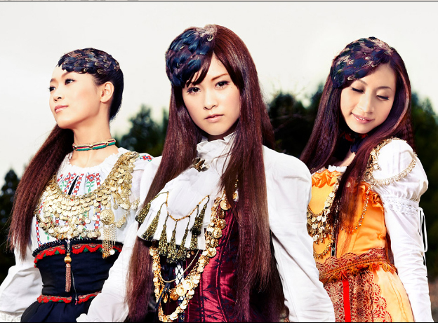 http://nightsrakuen.files.wordpress.com/2010/01/kalafina.jpg